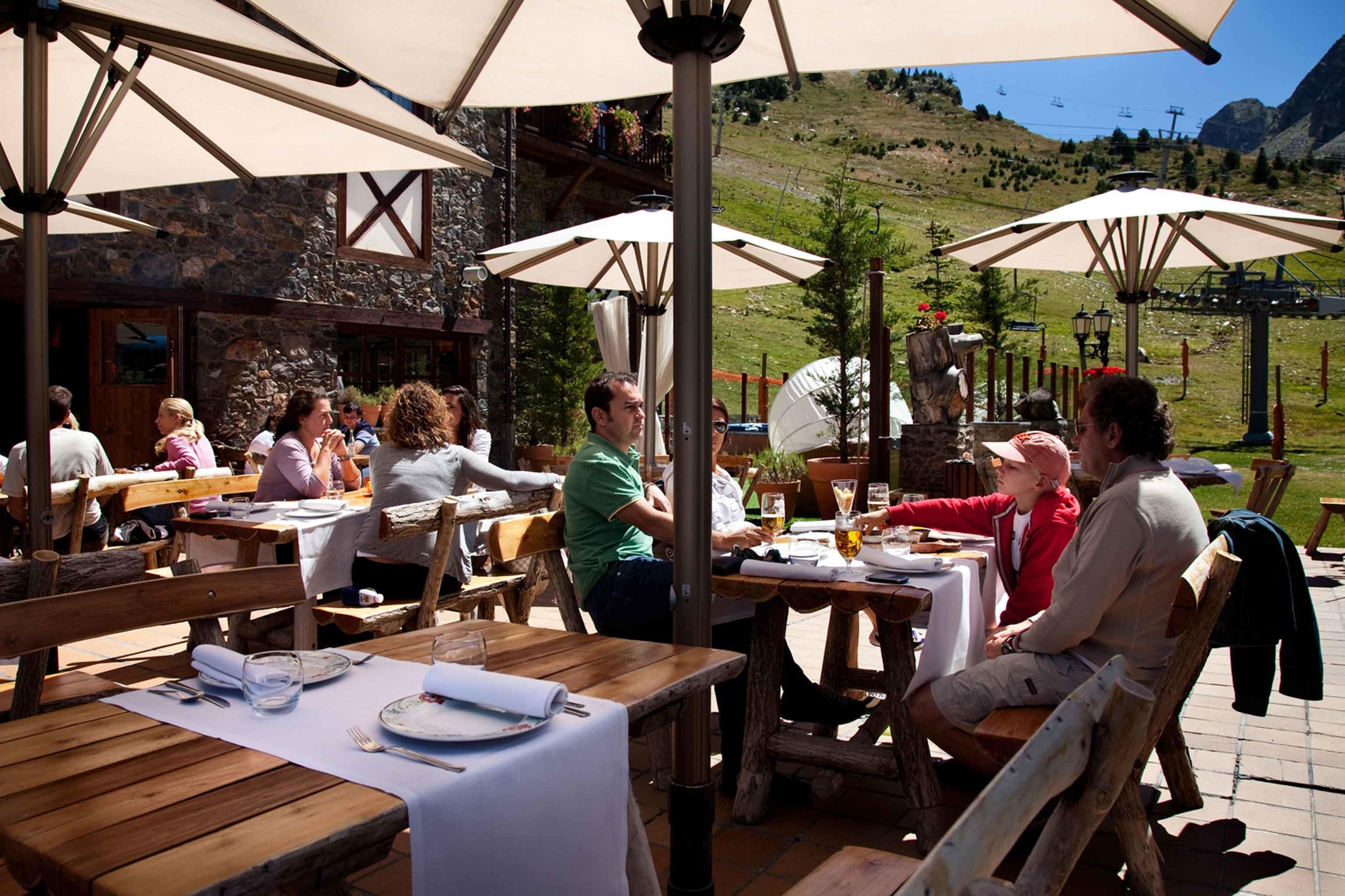 Adventure Dining Drink Eat Grounds Lodge Resort Rustic restaurant