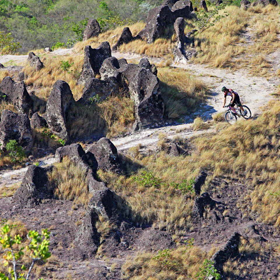 Adventure Parks Sport grass mountainous landforms mountain wilderness rock geological phenomenon Nature canyon ridge cliff geology rocky terrain plateau trail walking valley backpacking hillside