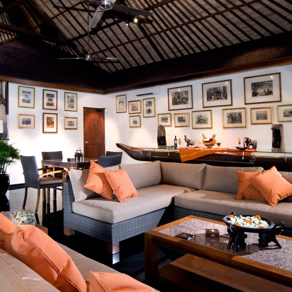 Adventure Safari sofa property living room home restaurant Villa cottage Resort