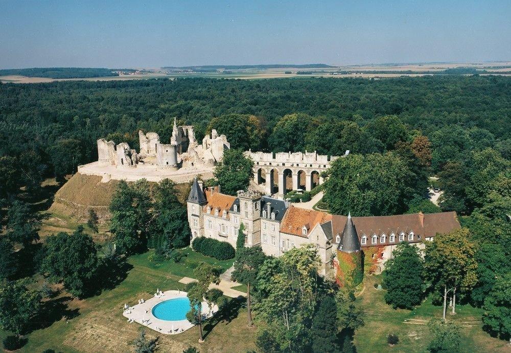 tree mountain historic site landmark ecosystem building aerial photography bird's eye view castle château monastery hillside