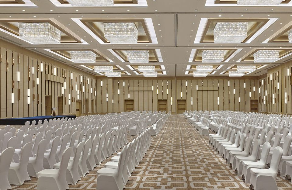 auditorium aisle function hall conference hall convention center hall ballroom row long lined line