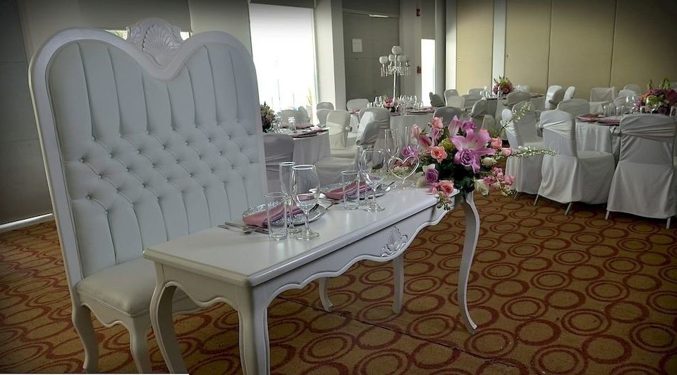 function hall aisle banquet ballroom dining table