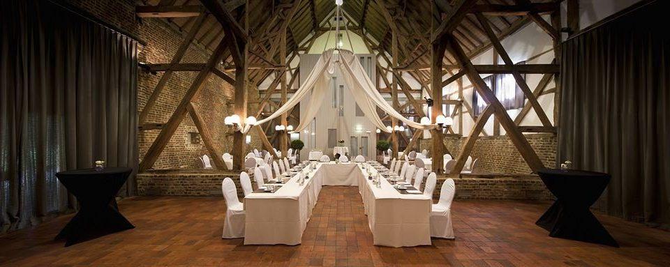 aisle lighting mansion ballroom