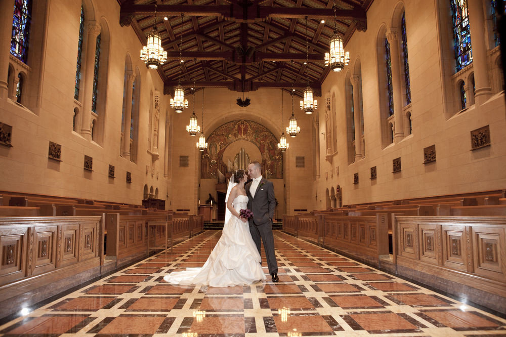 photograph aisle ceremony bride place of worship mansion walkway colonnade