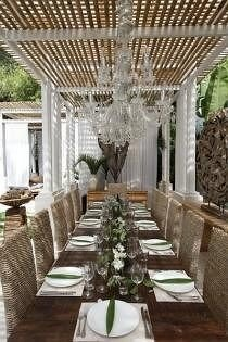 property aisle function hall restaurant porch mansion