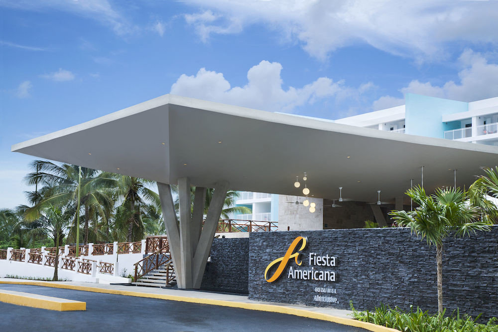 All-inclusive Beachfront Exterior Modern Waterfront sky building Architecture headquarters