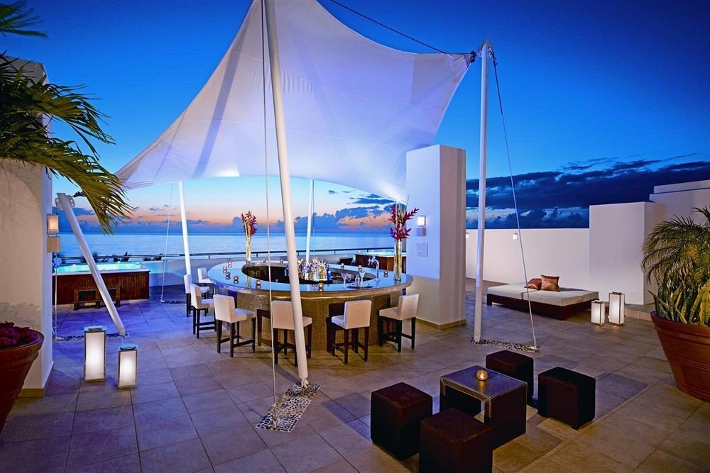 All-inclusive Bar Beachfront Drink Modern Outdoors Waterfront leisure Resort restaurant Villa caribbean