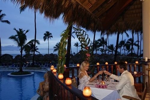 All-inclusive Bar Dining Drink Eat Modern Romantic tree sky Resort leisure restaurant