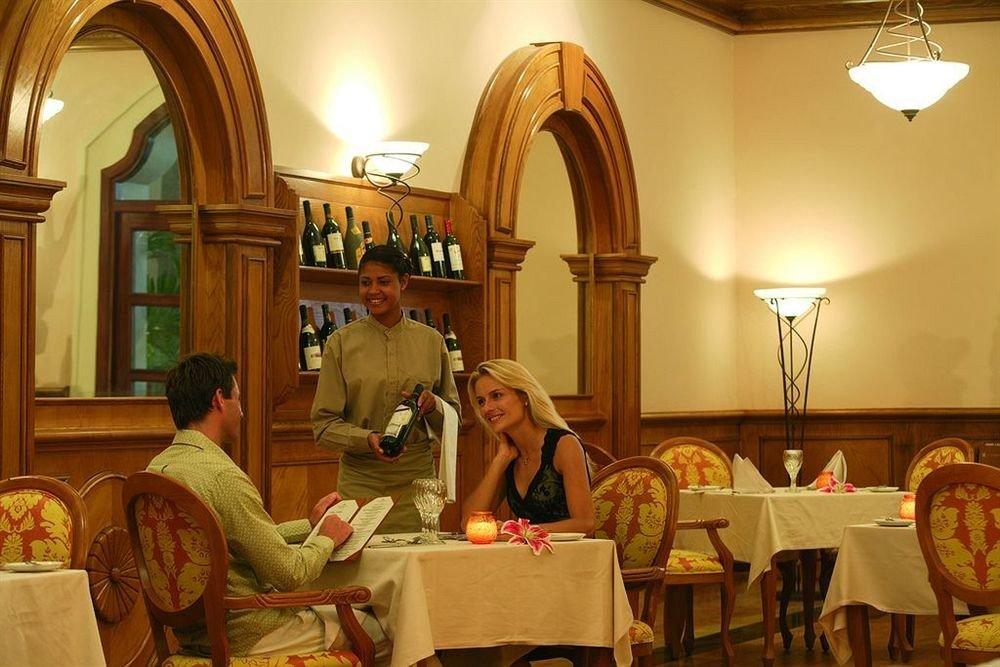 All-inclusive Bar Dining Drink Eat Modern Romantic restaurant