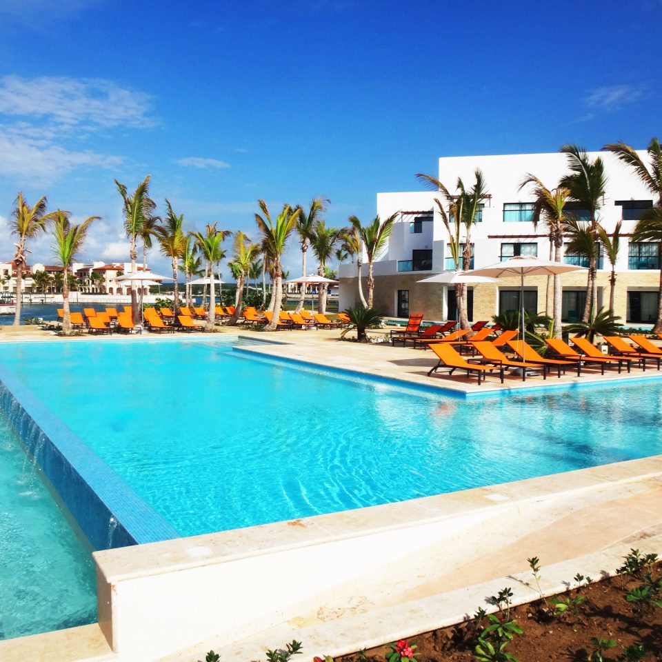 All-inclusive Beachfront Family Pool Resort Romantic sky water swimming pool leisure property caribbean Villa resort town Beach condominium blue mansion Sea Lagoon