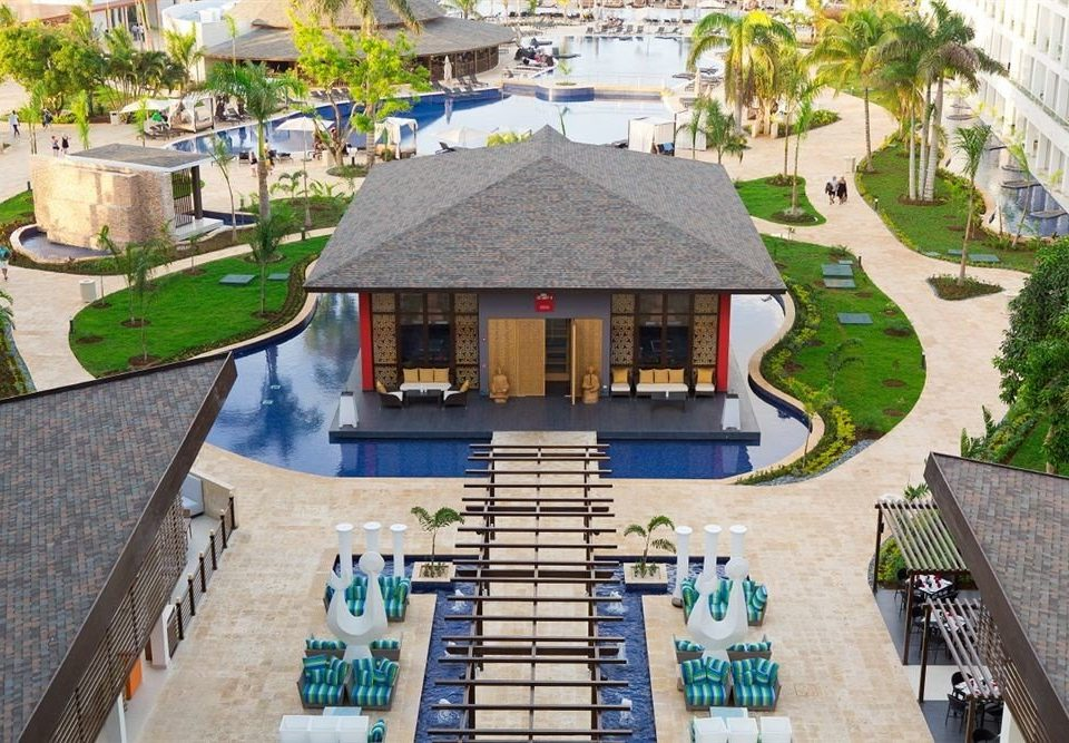 All-inclusive Beach Grounds Resort Sea property house residential area home condominium mansion cottage