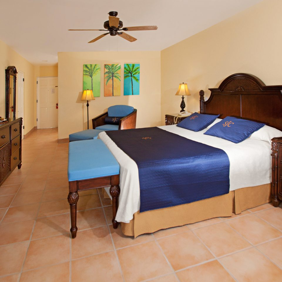 All-inclusive Beachfront Bedroom Family Resort property cottage Suite hardwood