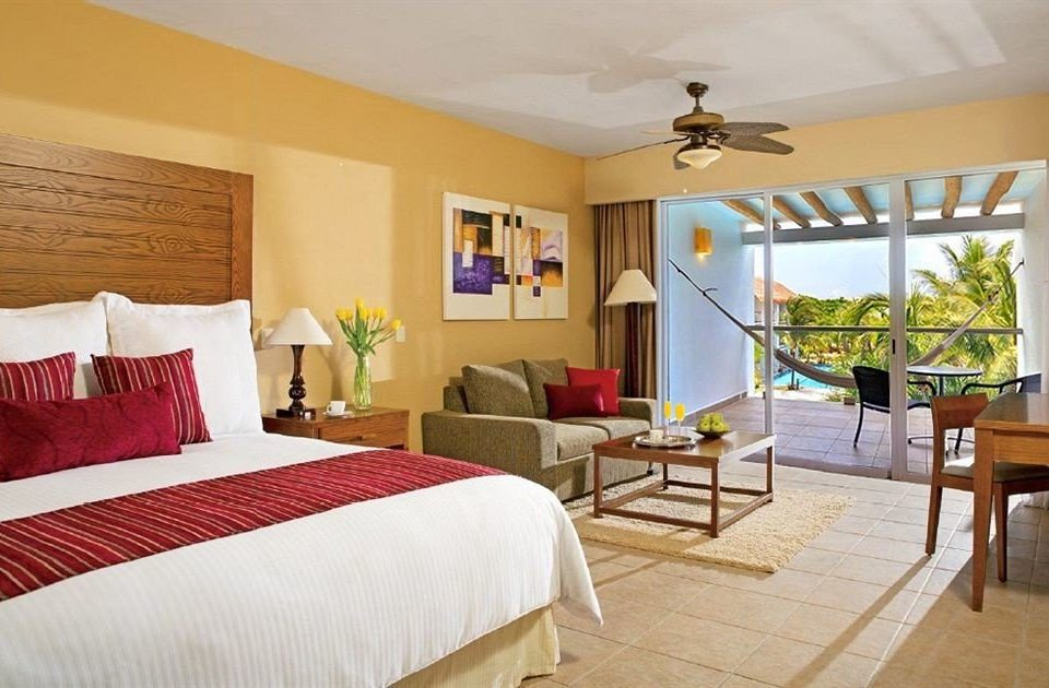 All-inclusive Beachfront Bedroom Modern Waterfront property red Resort Suite cottage Villa farmhouse
