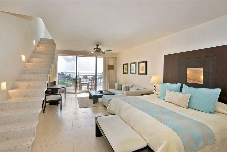 All-inclusive Beachfront Bedroom Modern Waterfront sofa property living room Suite home hardwood condominium Villa cottage