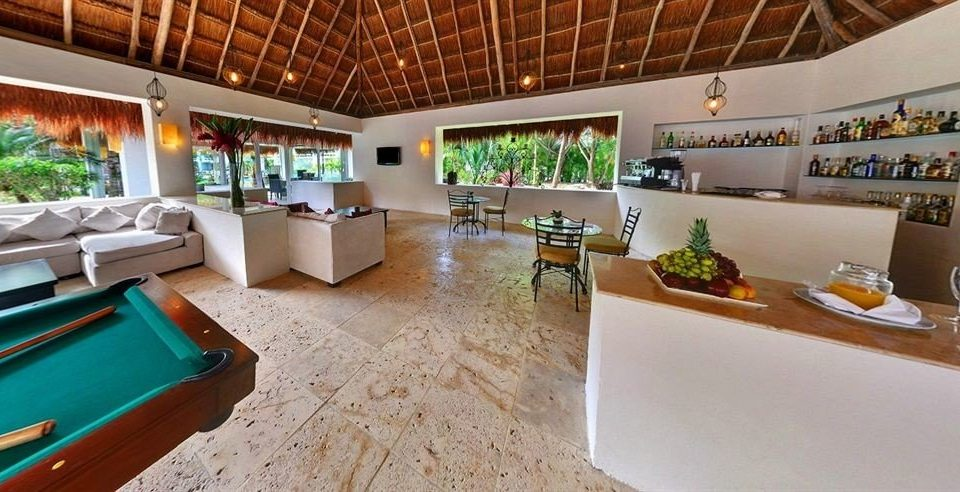 All-inclusive Beachfront Modern Waterfront property recreation room home Resort Villa cottage
