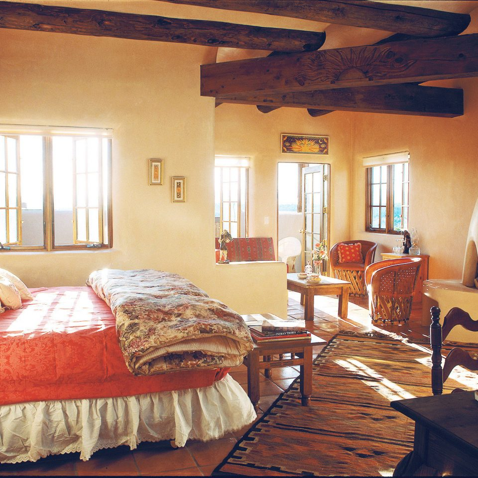 All-inclusive Bedroom Country Cultural Mountains Romance Romantic property house cottage home farmhouse hardwood living room Villa log cabin