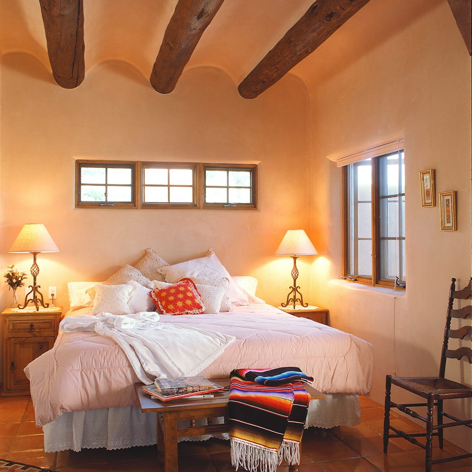 All-inclusive Bedroom Country Mountains Romance Romantic property living room cottage hardwood home farmhouse Suite