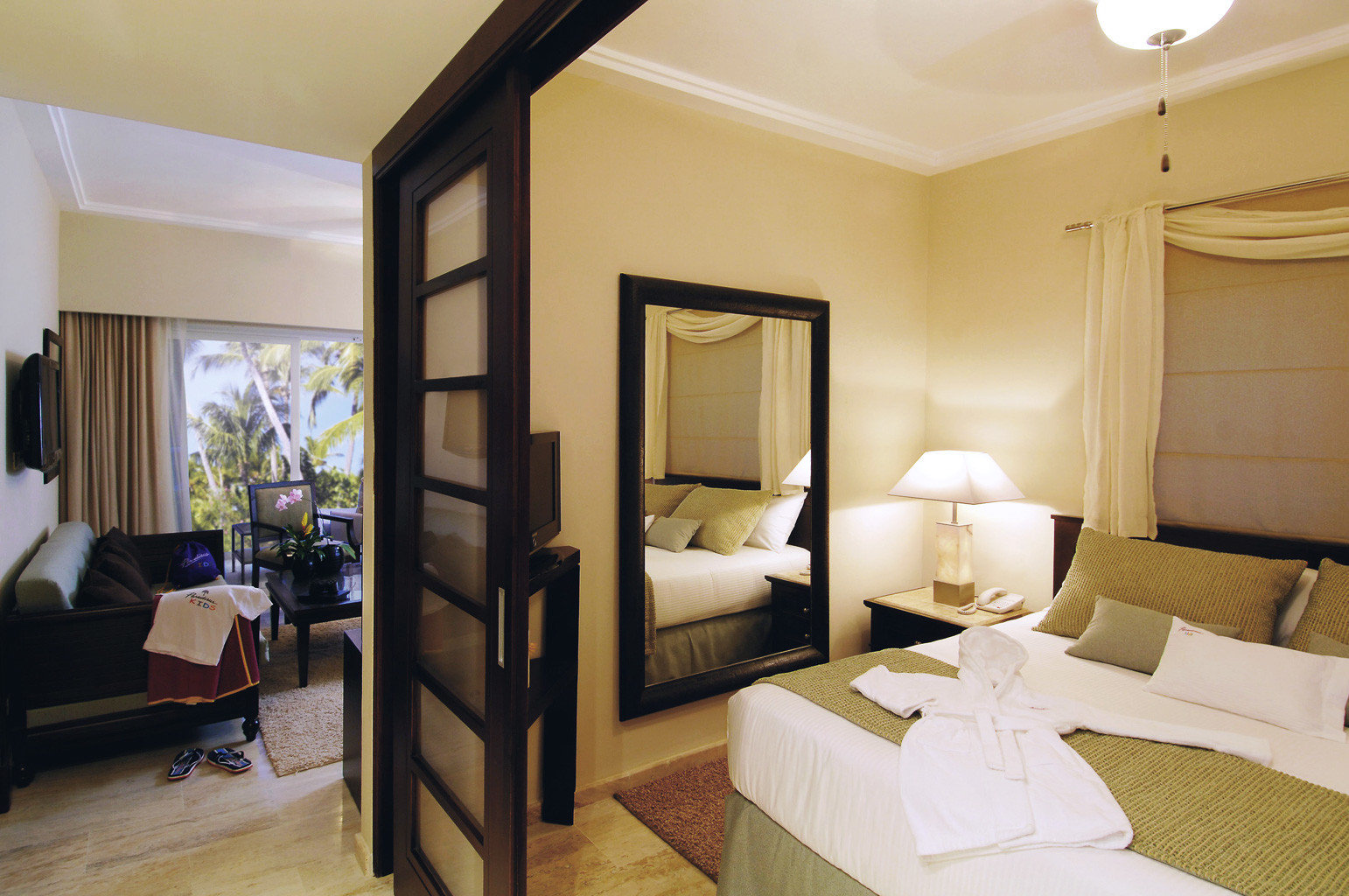 All-inclusive Bedroom Family Lounge Resort Suite property cottage home living room Villa condominium