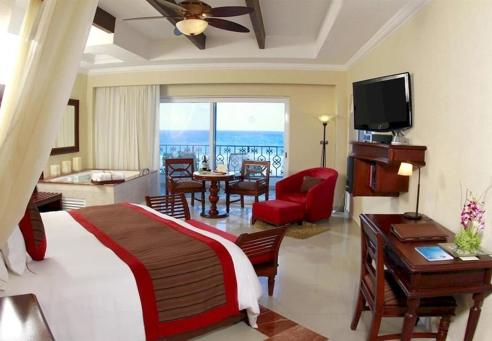 All-inclusive Bedroom Modern Ocean Scenic views Waterfront property Resort Suite cottage Villa