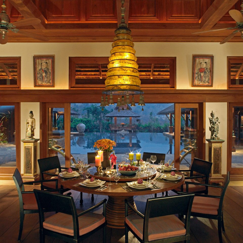 All-inclusive Boutique Classic Dining Drink Eat Family building recreation room living room mansion home screenshot shelf Resort