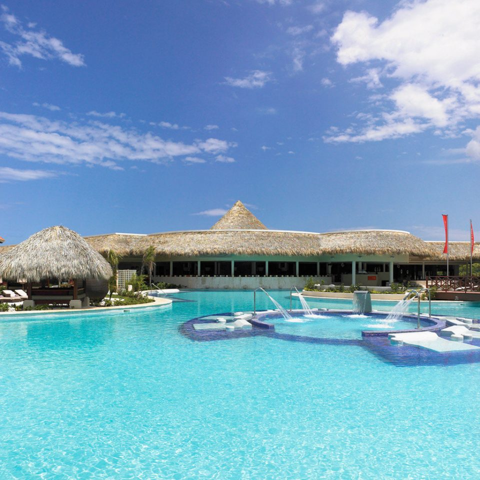 All-inclusive Boutique Family Luxury Pool Resort Romantic sky water building swimming pool property leisure blue house resort town Lagoon Villa caribbean Sea lawn docked swimming Island surrounded