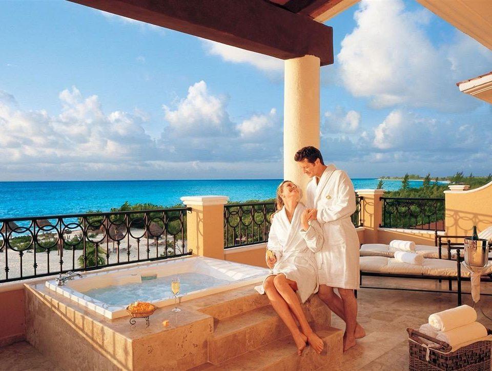 All-inclusive Hot tub Hot tub/Jacuzzi Luxury Pool Romantic sky leisure swimming pool caribbean Resort Villa Honeymoon Deck
