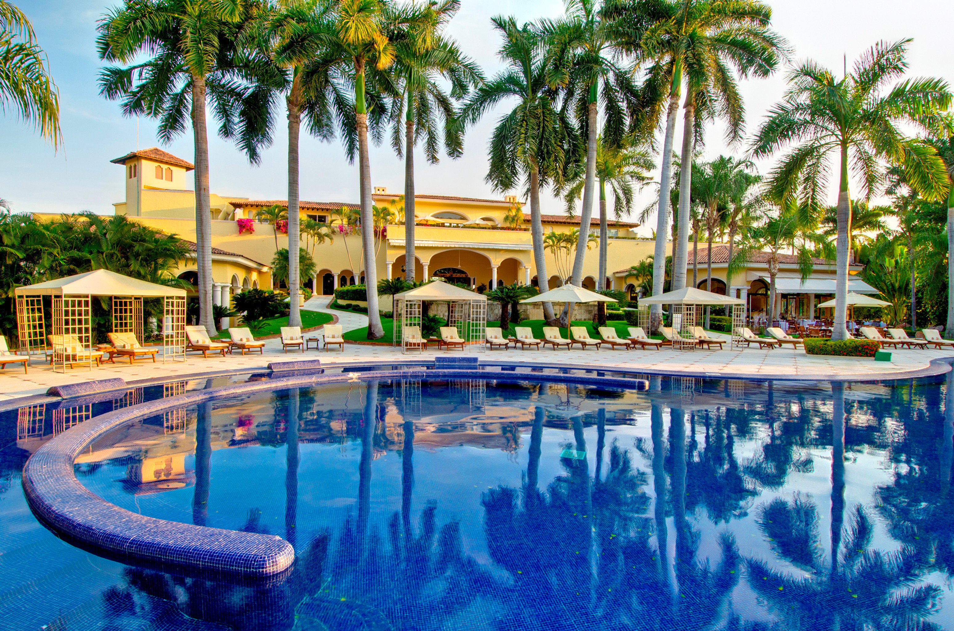 All-Inclusive Resorts Elegant Hotels Lounge Luxury Modern Pool tree sky Resort swimming pool leisure property palm condominium resort town mansion lined