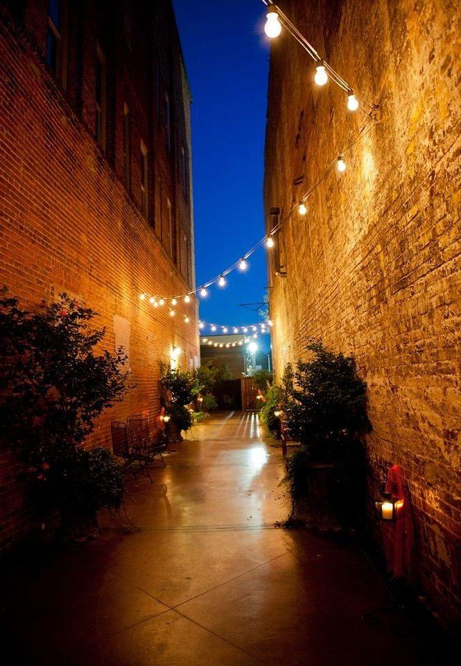 street night light darkness evening sunlight morning lighting alley infrastructure cityscape street light dark