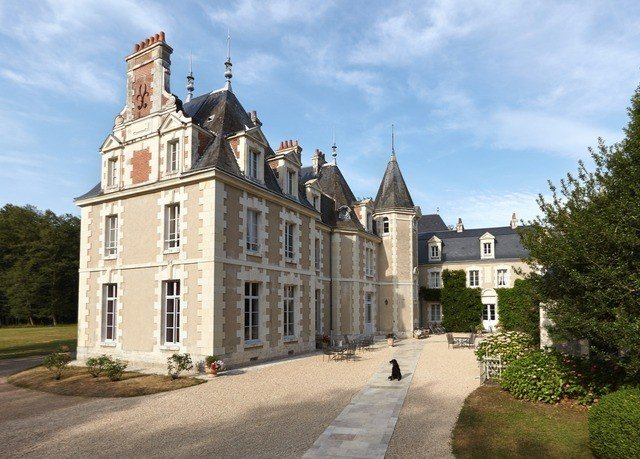 sky château building property stately home almshouse manor house castle monastery old water castle tours mansion palace stone