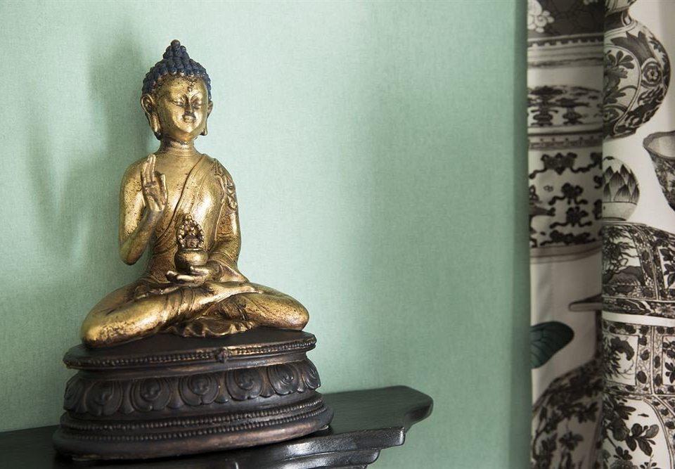 statue monument sculpture art ancient history gautama buddha carving temple bronze pot porcelain