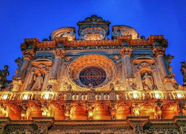 landmark historic site building palace place of worship ancient history basilica