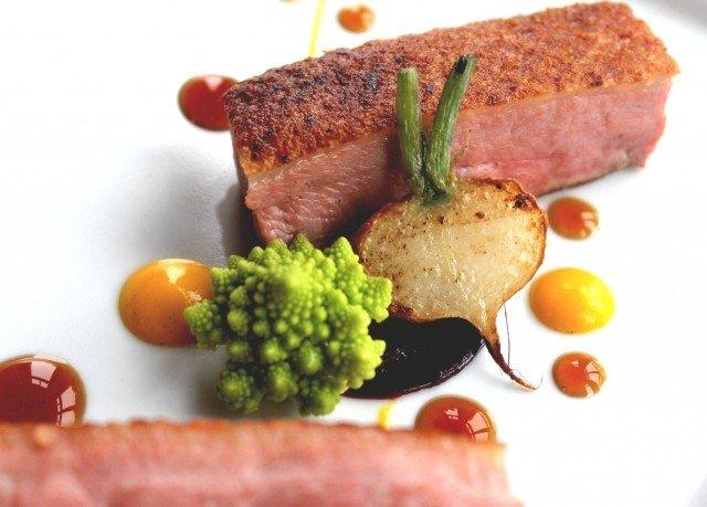 food meat plate roast beef steak sirloin steak garnish animal source foods beef tenderloin cuisine ham piece de resistance