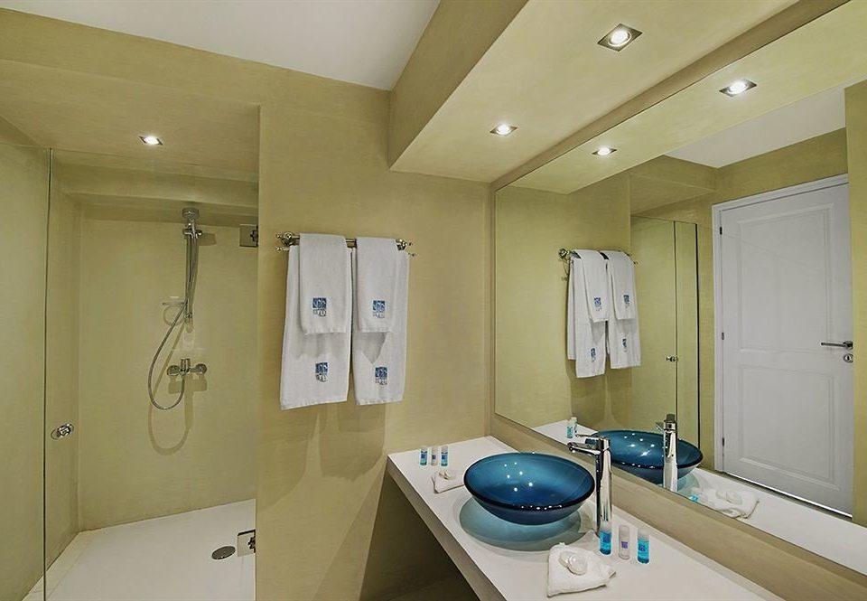 bathroom property home sink cottage appliance