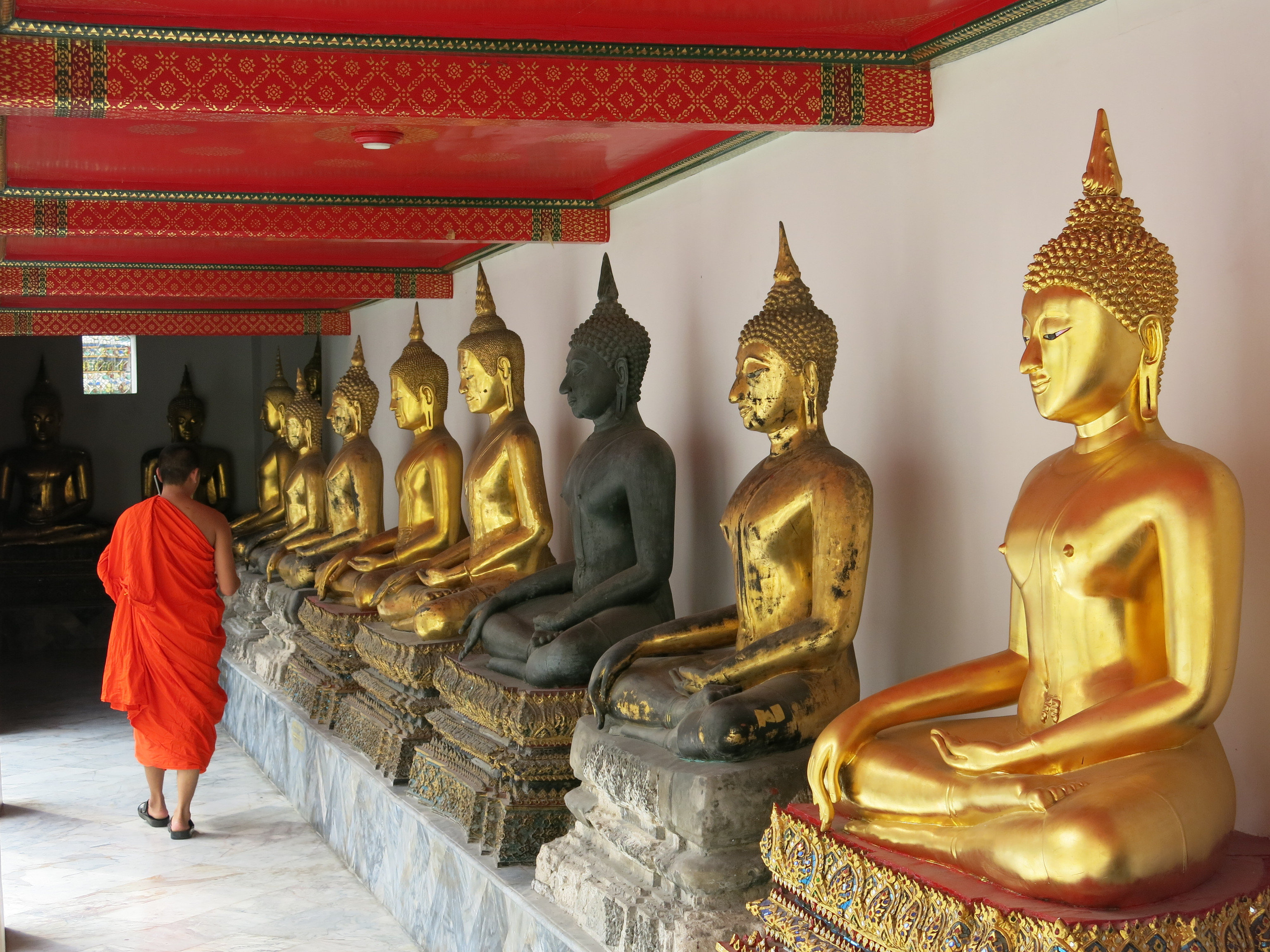 Budget statue gautama buddha hindu temple building wat monument place of worship temple carving ancient history
