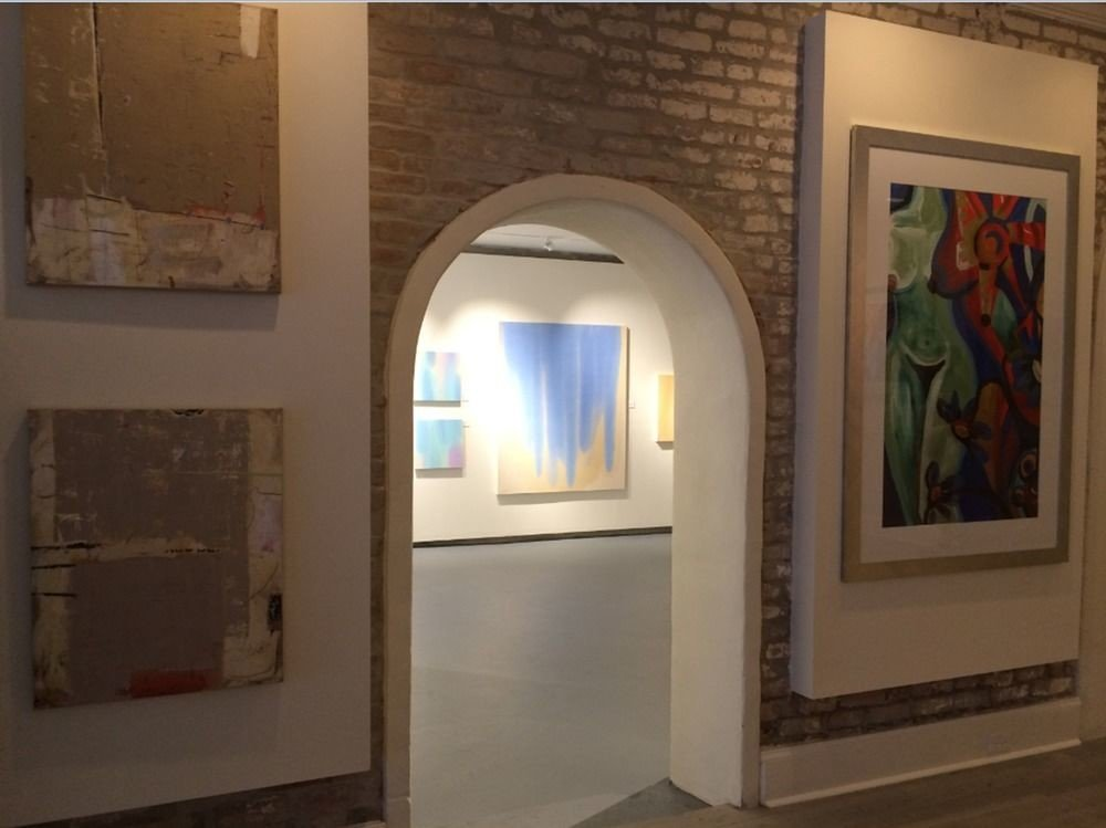 scene gallery property art gallery tourist attraction art museum arch home exhibition modern art living room
