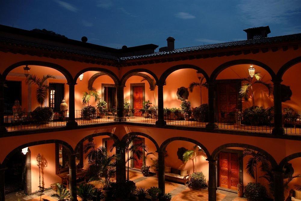 evening arch hacienda palace colonnade