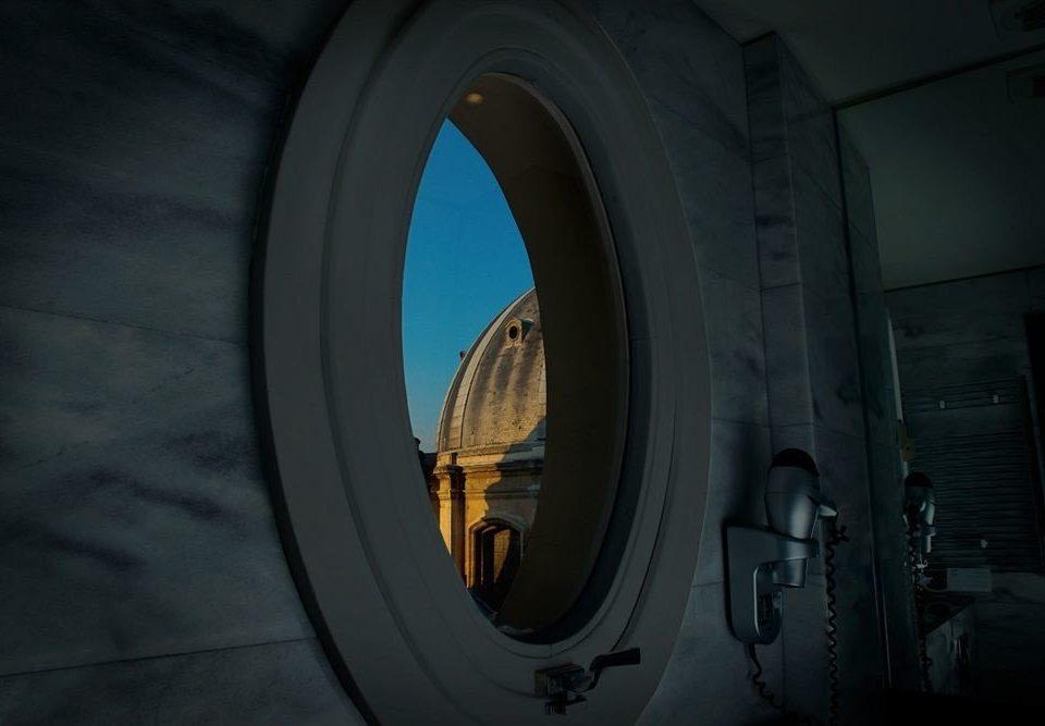 darkness light wheel screenshot arch