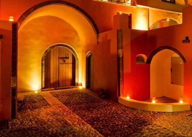 hacienda arch lighting
