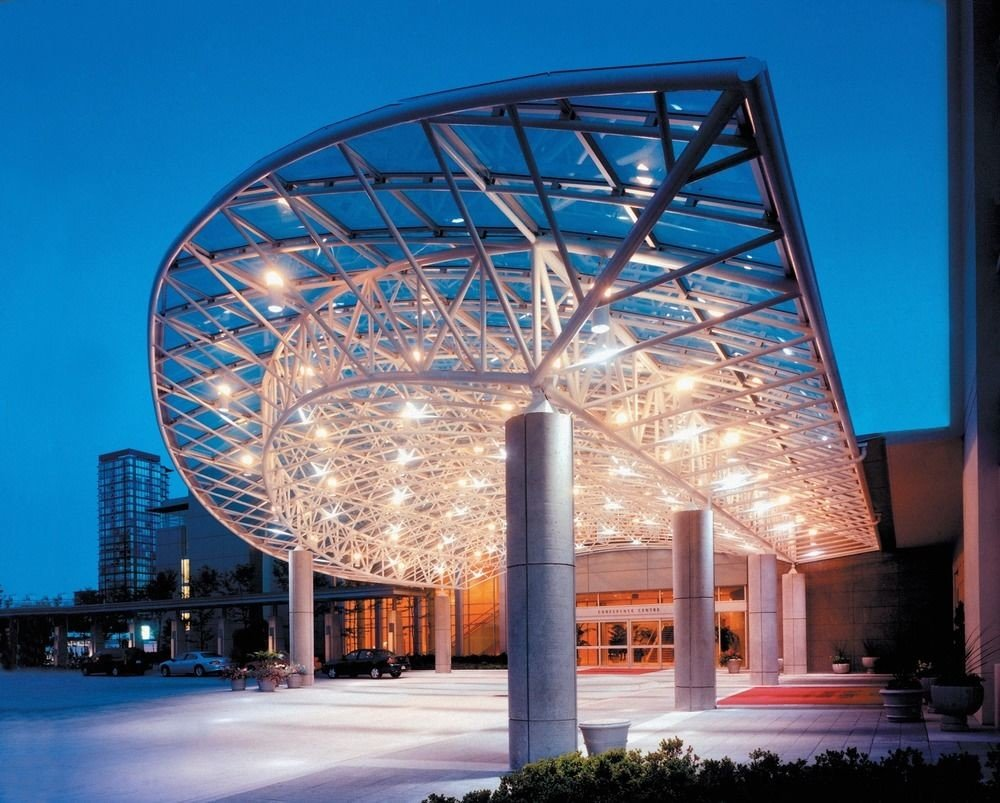 building sky structure landmark Architecture tourist attraction convention center arch