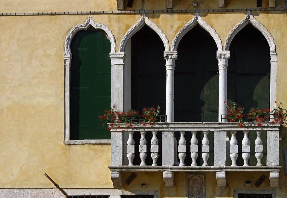 house Architecture arch Balcony ancient history history colonnade