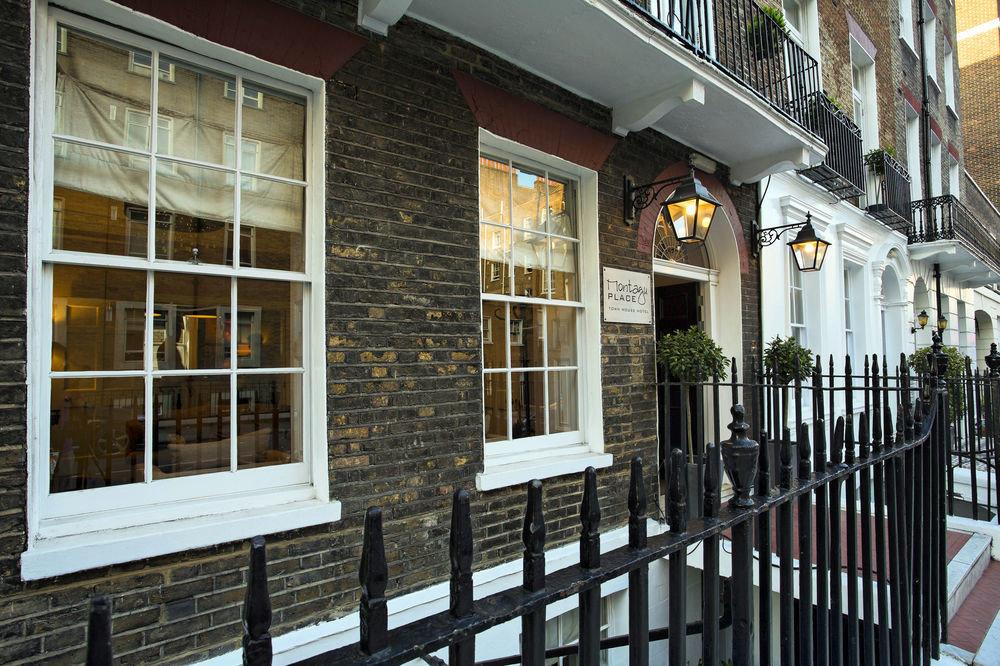 building property house neighbourhood Architecture brick home porch restaurant cottage Balcony