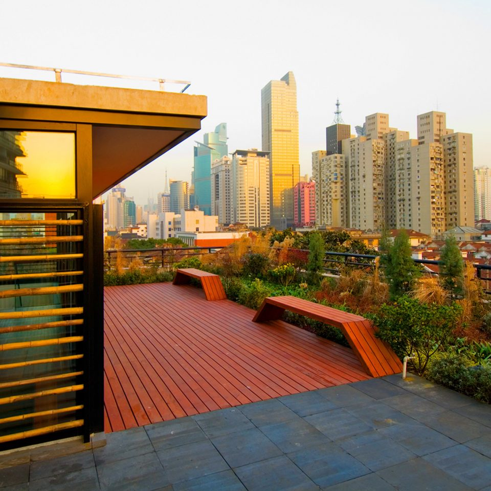 Architecture Balcony Buildings City Modern Patio Scenic views Terrace sky metropolitan area neighbourhood residential area Downtown condominium tower block cityscape plaza