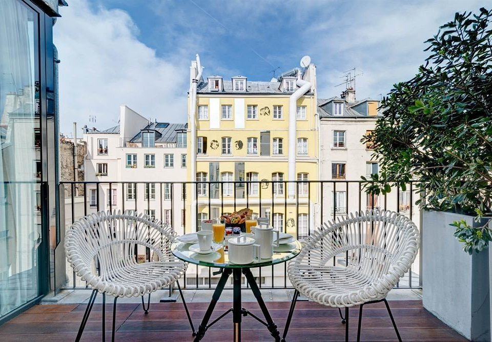 chair property house Architecture home condominium outdoor structure mansion Balcony Courtyard cottage