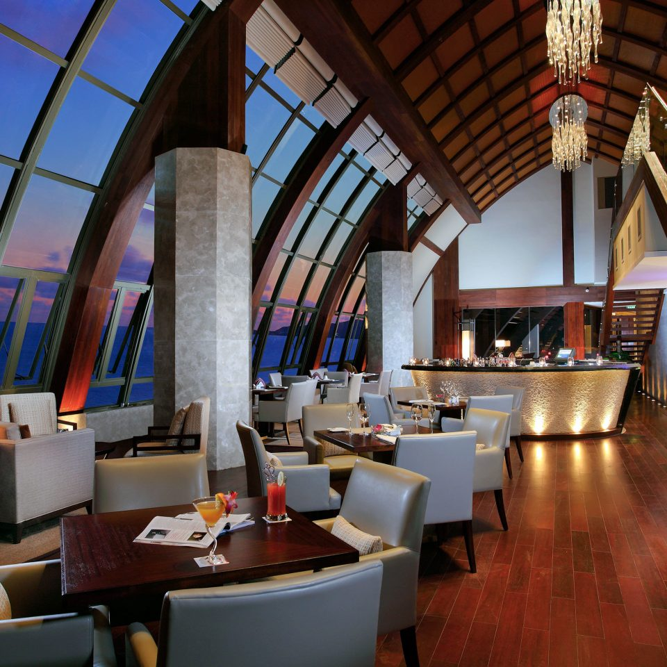 Bar Beachfront Dining Drink Eat Family Resort Architecture restaurant Lobby