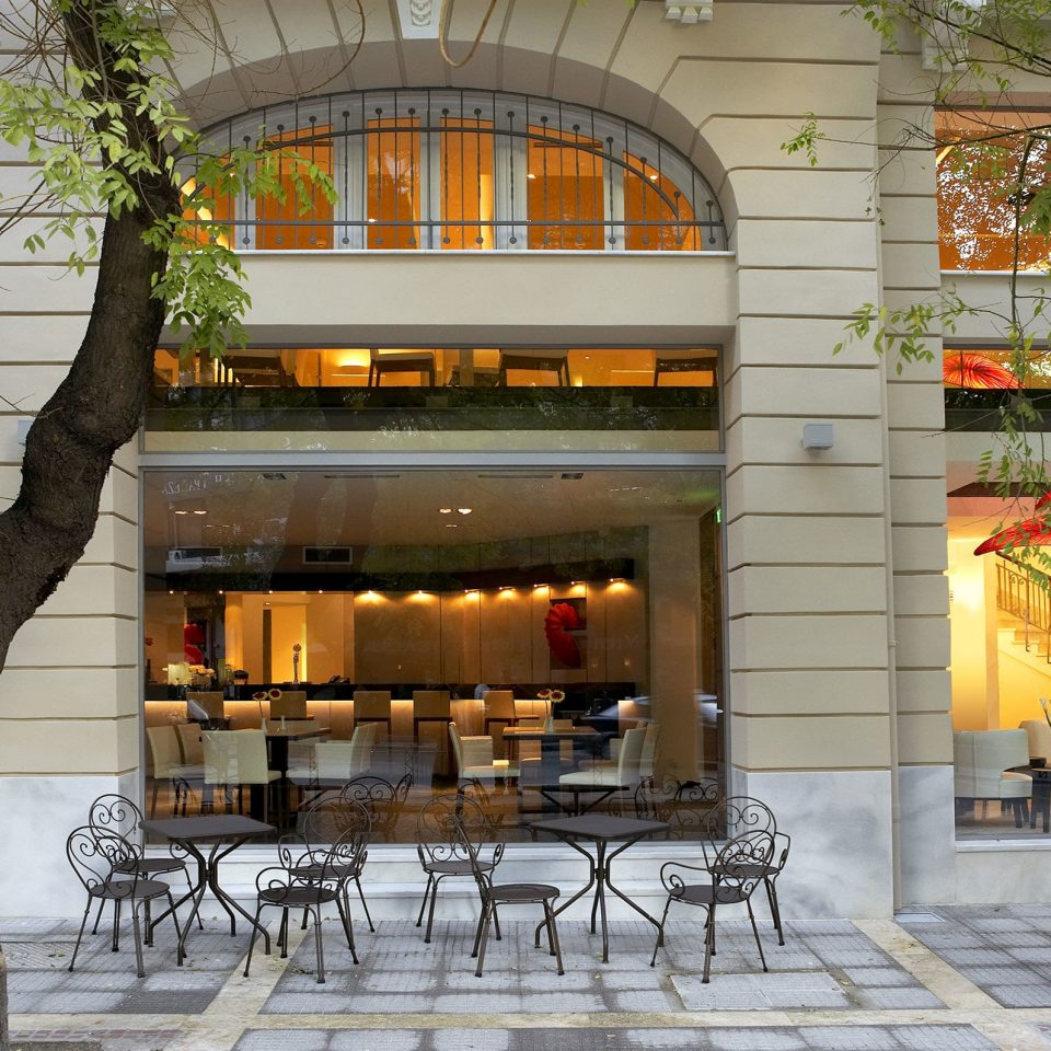 Bar Dining Drink Eat Hip Luxury Lobby plaza Architecture Courtyard restaurant