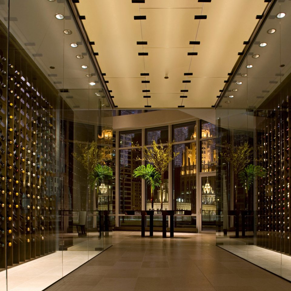 Bar Dining Drink Eat Luxury Modern Wine-Tasting Lobby building sidewalk shopping mall Architecture retail convention center platform tourist attraction headquarters plaza empty walkway