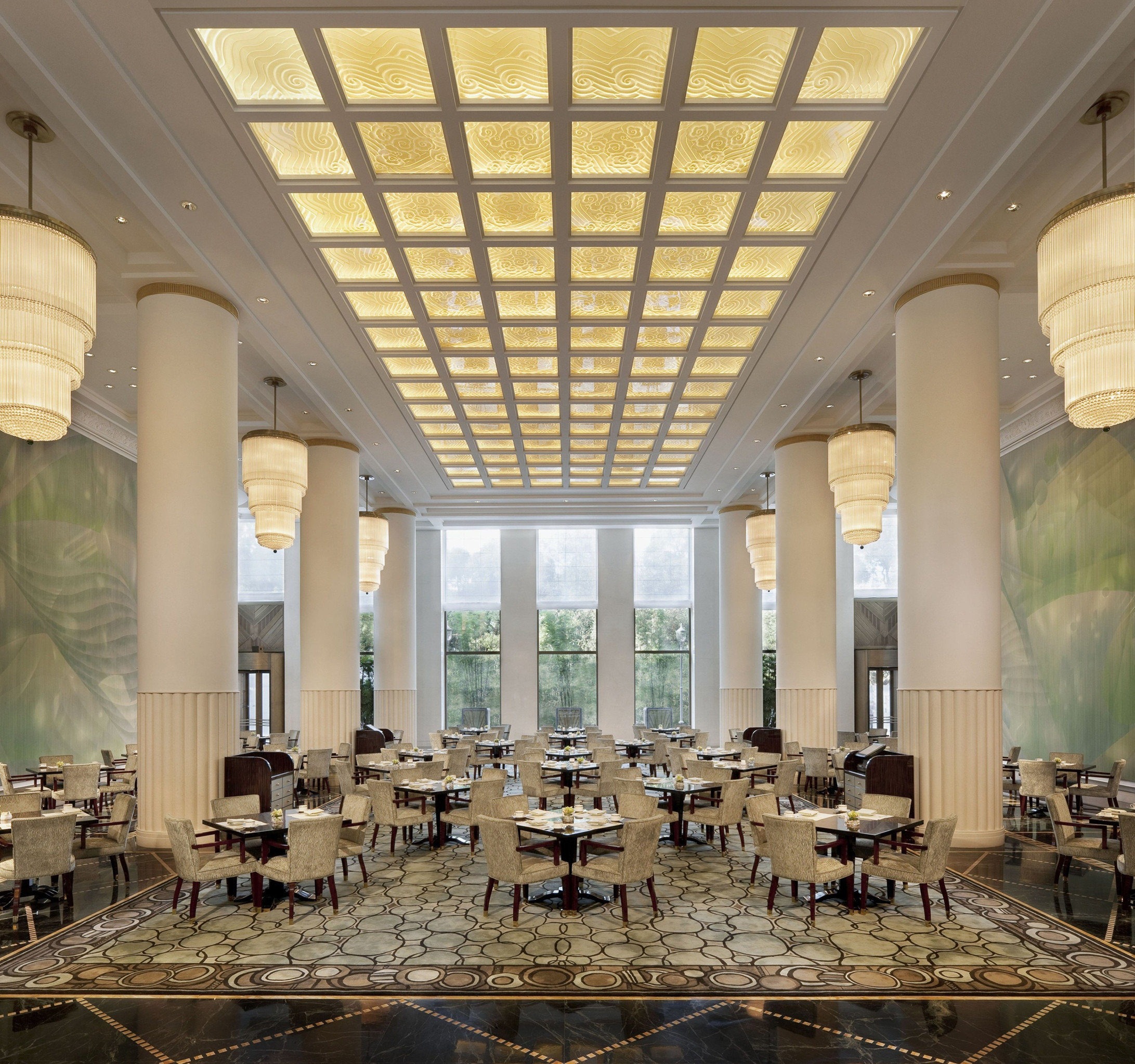 Bar Dining Drink Eat Elegant Scenic views structure Lobby Architecture palace convention center ballroom tourist attraction auditorium