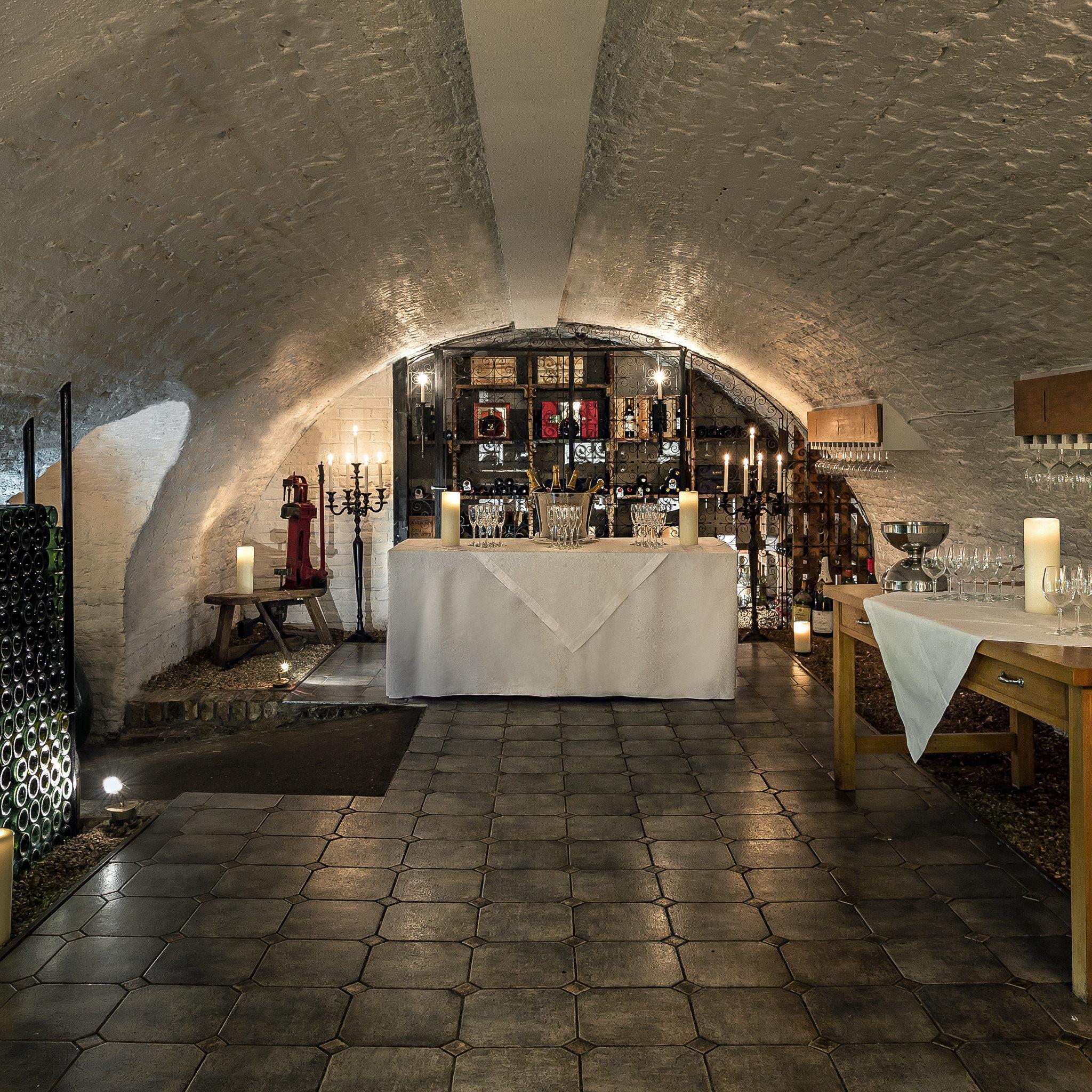 Bar Drink Resort Wine-Tasting ground building Lobby Architecture tourist attraction basement