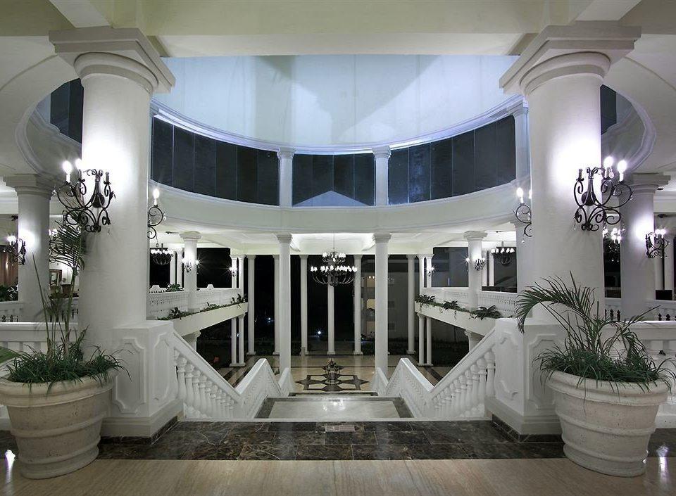 Beach Budget Family Lobby Resort Sea property living room mansion home Architecture plant lighting flooring ballroom tub Bath bathtub