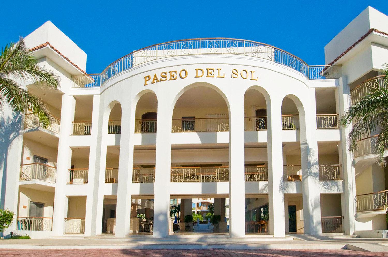 Beachfront Elegant Exterior Grounds Luxury building landmark classical architecture Architecture plaza palace Resort mansion colonnade